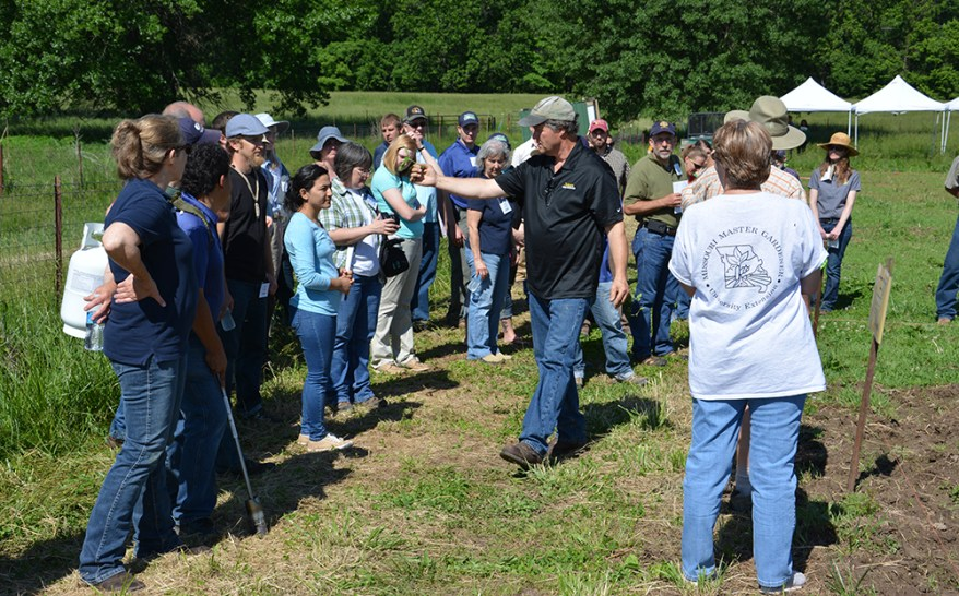 Missouri IPM train-the-trainer program field instruction