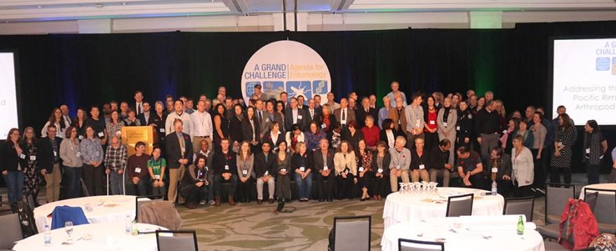 invasive arthropods summit - group picture