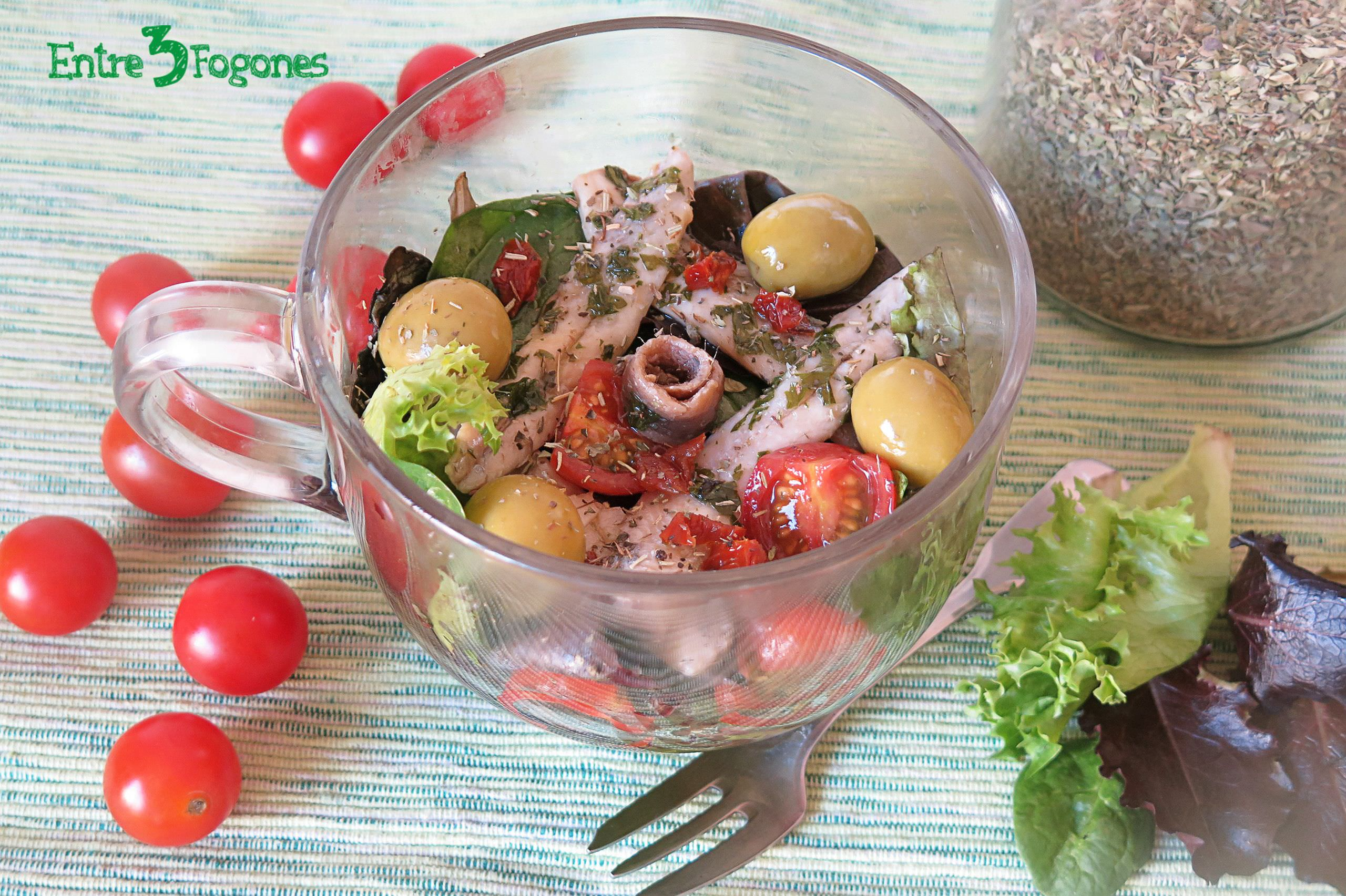 Photo of Ensalada de Tomate con Boquerones en Vinagre