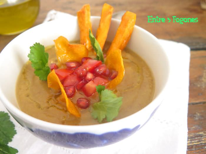 Photo of Crema de Coliflor y Lentejas con Chips de Batata