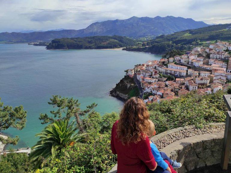 Lastres desde el mirador de San Roque.