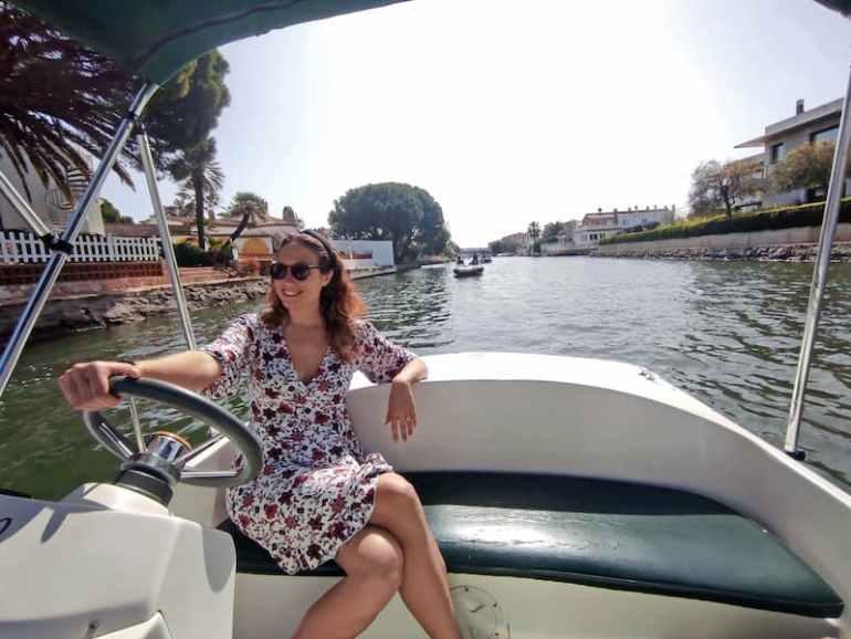 Paseo en barco por los canales de Empuriabrava