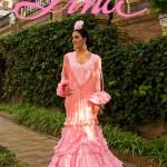 """Lina es """"Esencial"""". Trajes de flamenca para toda una vida…"""