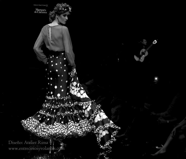 trajes de flamenca simof 2014 entre cirios y volantes (16)
