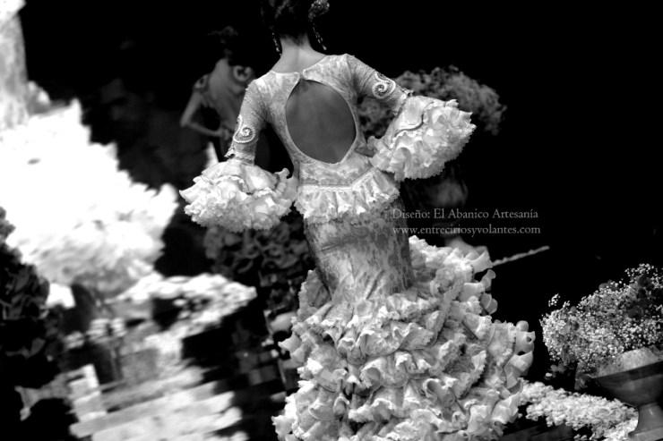 trajes de flamenca simof 2014 entre cirios y volantes (17)