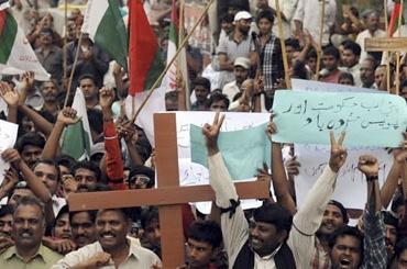 Cristianos de Pakistán PRotestan