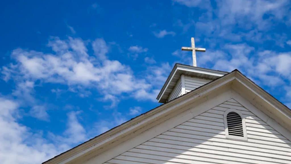 Se cierran más iglesias que las que se plantan