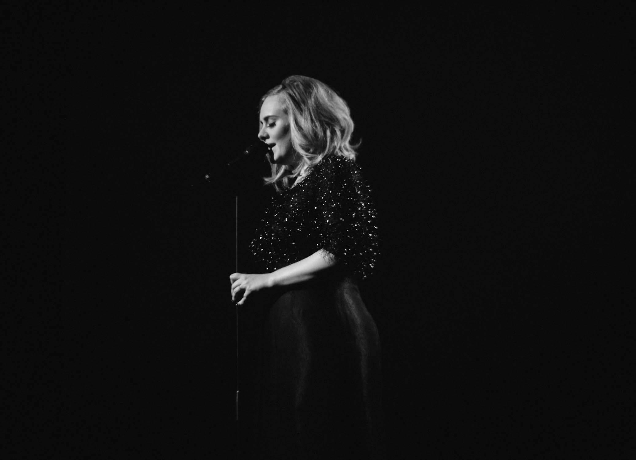 Adele CONFIRMA su regreso