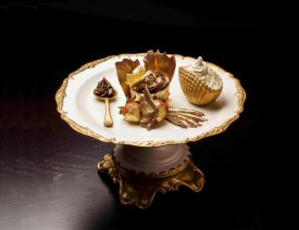 The-Golden-Phoenix-Cupcake