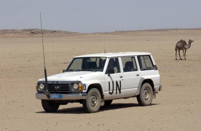Un coche de MINURSO en el Sahara. / ONU Photo