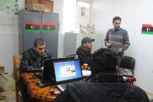 Redacción de periodistas en Libia durante la revolución. / A.J