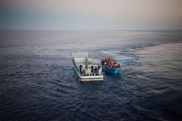 Migrantes y refugiados cruzan el Mediterráneo. Foto: ACNUR/A. D'Amato