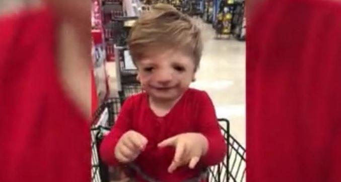 """Criança Com Doença Rara Diz """"eu Te Amo"""" Ela Primeira Vez, Vídeo Emociona"""