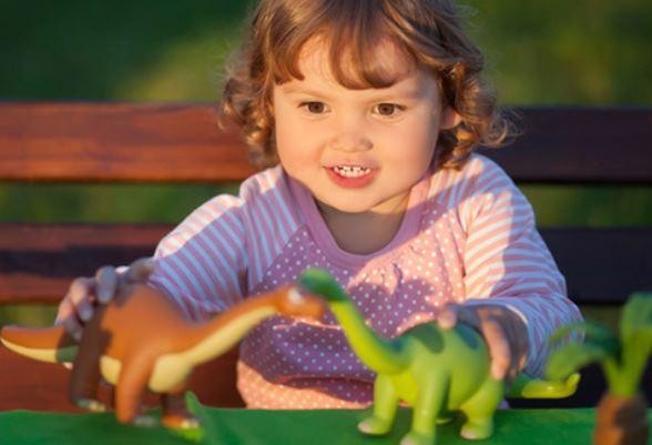Criança Que Brinca Com Dinossauros é Mais Inteligente