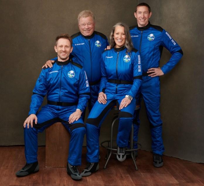 William Shatner, conocido por su papel como Capitán Kirk de Viaje a las estrellas, viajó por el espacio. Lo hizo en la nave New Sheppard.