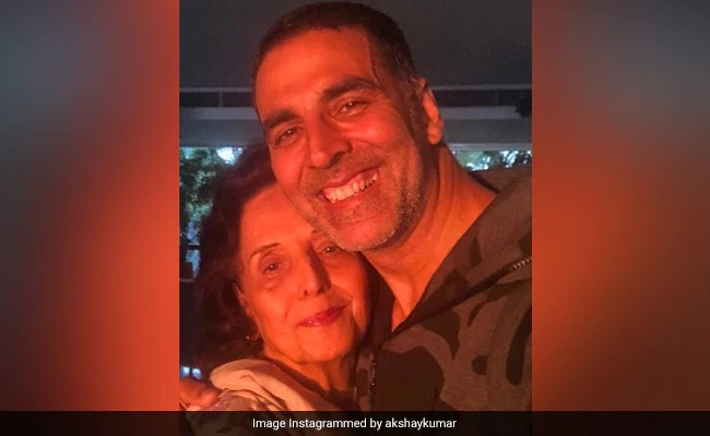 After Akshay Kumar's Mother Aruna Bhatia's Death, Salman Khan, Ajay Devgn And Others Offer Condolences To The Actor