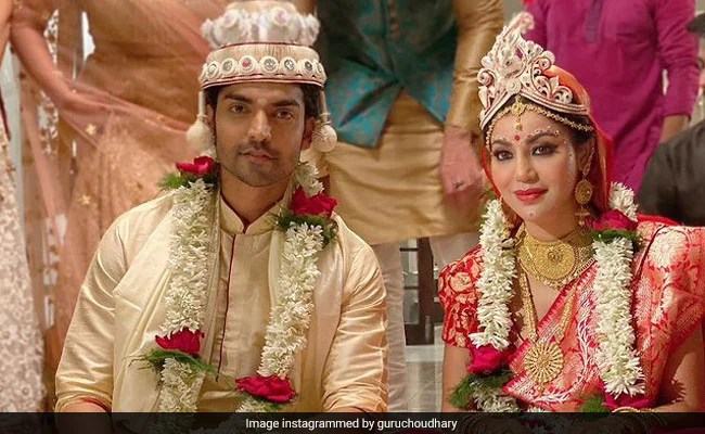 """Debina Bonnerjee And Gurmeet Choudhary """"Finally"""" Have A Bengali Wedding, 10 Years After They Got Married"""