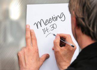 rapat tidak efektif di kantor