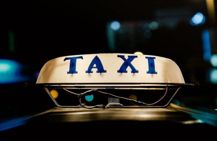 taksi online - kerja sampingan malam hari