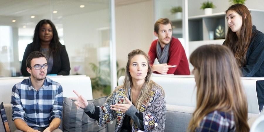 Le CHSCT permet d'étudier l'environnement où travaillent les salariés ainsi que les risques professionnels qu'ils encourent.