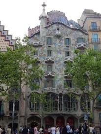 La casa Batló fue diseñada por Antonio Gaudí.