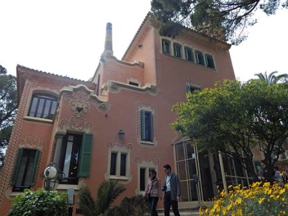 La Casa Museo Gaudí, está situada en el Parque Guell, en este lugar vivió Antonio Gaudí por unos 20 años.