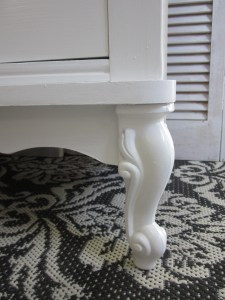 White French Dresser by EntriWP