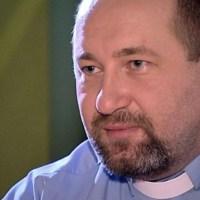 Detienen al padre alberto gil sacerdote acusado de abuso sexual a menores