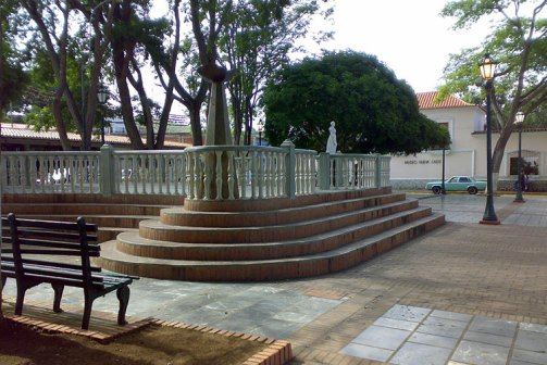 Sitios turisticos de Margarita Plaza Bolivar