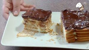 Tarta de la abuela de galletas, flan y chocolate