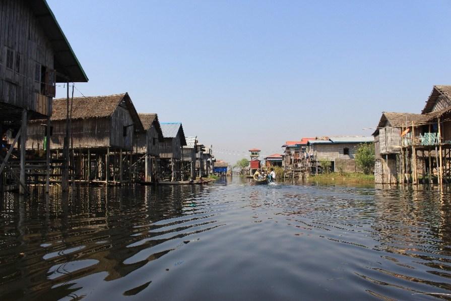 village-flotant-inle