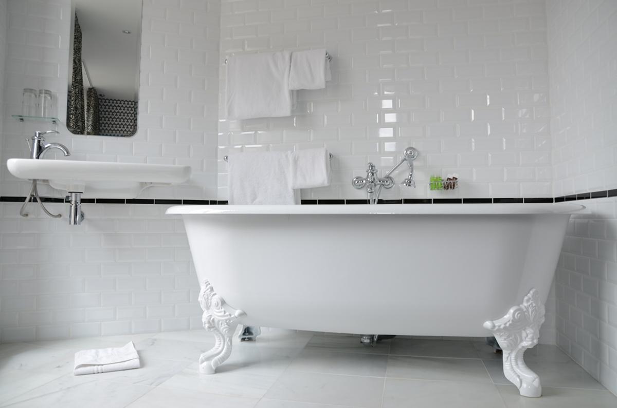 Plus De Id Es Propos De Bathrooms Wcs Sur Pinterest