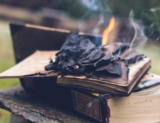 Böcker som brinner.