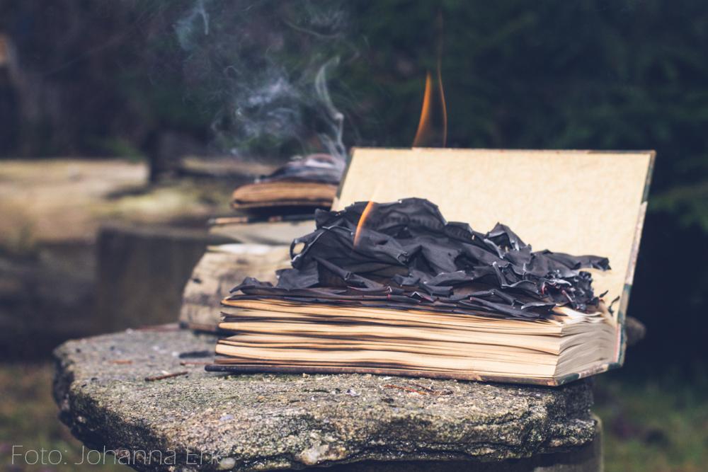 Bok som brinner.