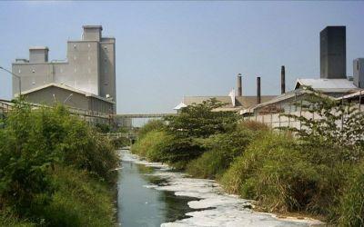 Pencemaran Lingkungan Yang Disebabkan Oleh Limbah Industri