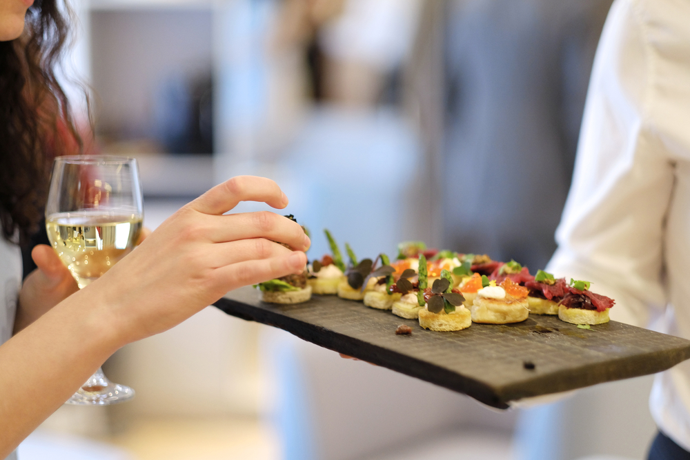 Top 7 Finger Foods To Feed Your Guests At The Wedding