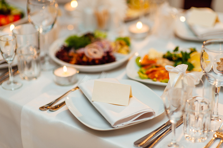 Fun Foods To Serve At Your Winter Wedding