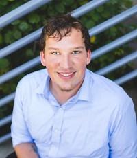 Portrait: Dustin Carlson