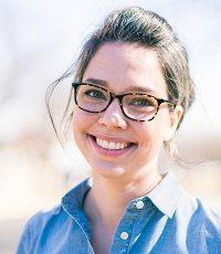 Portrait: Julie Hanus