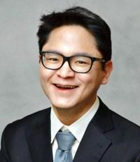 Portrait: Greg Rhee