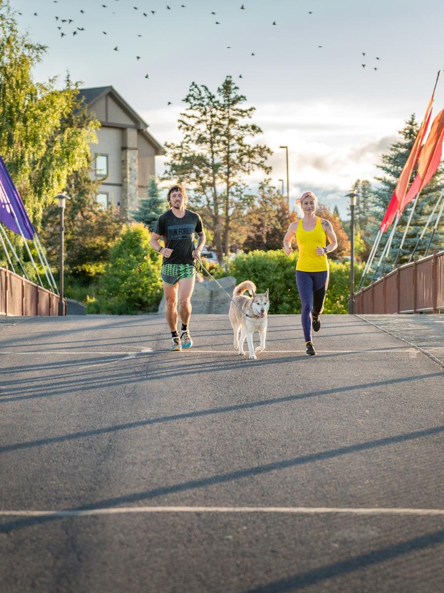 Anthony's couple runners flag bridge 2019