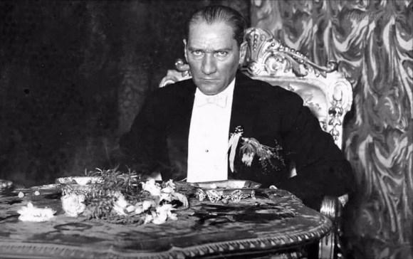 nkılabın hedefini kavramış olanlar daima onu korumaya muktedir olacaklardır. - Mustafa Kemal Atatürk Resimli Sözler - Atatürk Sözleri Ve Fotoğraf Arşivi, unlu-sozleri, guzel-sozler