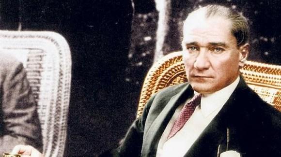 Gençliği yetiştiriniz. Onlara ilim ve irfanın müspet fikirlerini veriniz. Geleceğin aydınlığına onlarla kavuşacaksınız. - Mustafa Kemal Atatürk Resimli Sözler - Atatürk Sözleri Ve Fotoğraf Arşivi, unlu-sozleri, guzel-sozler