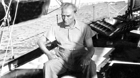 Köylü hepimizin velinimetidir. Bu necip unsurun refahını düşüneceğiz. - Mustafa Kemal Atatürk Resimli Sözler - Atatürk Sözleri Ve Fotoğraf Arşivi, unlu-sozleri, guzel-sozler