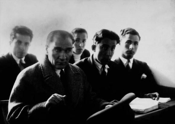 Millî emeller millî irade yalnız bir şahsın düşüncesinden değil bütün millet fertlerinin arzularının emellerinin birleşmesinden ibarettir. - Mustafa Kemal Atatürk Resimli Sözler - Atatürk Sözleri Ve Fotoğraf Arşivi, unlu-sozleri, guzel-sozler