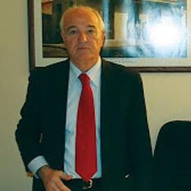 Γιάννης Λαδόπουλους, «Αιχμηρή» υποψηφιότητα