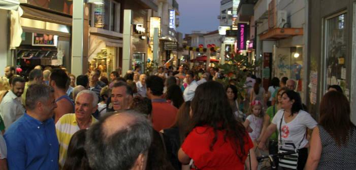 «Λευκή Νύχτα»: Πλημμύρισε με κόσμο το εμπορικό κέντρο