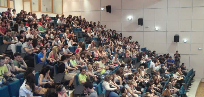 Εκτός πανεπιστημίων οι 180.000 «αιώνιοι» φοιτητές
