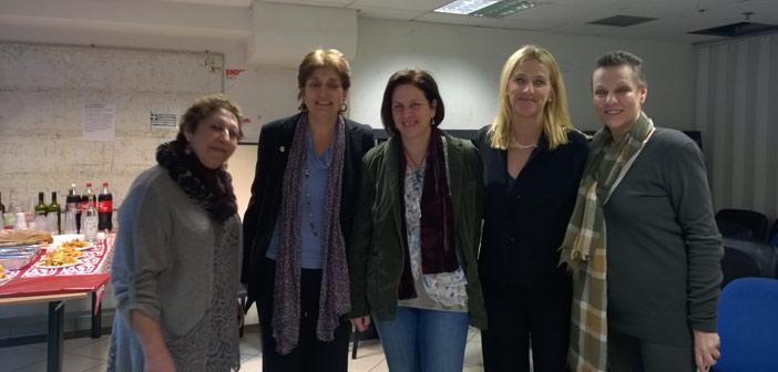Στον Ξενώνα Κακοποιημένων Γυναικών του Δήμου Αθηναίων η Ρ. Δούρου