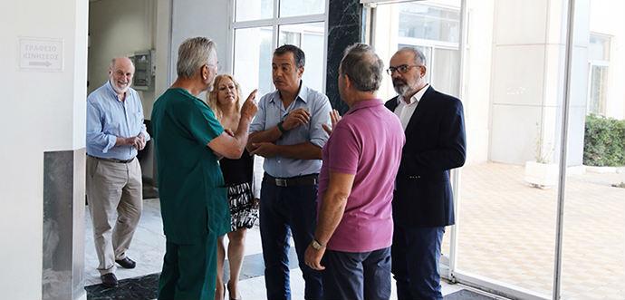 Αιφνιδιαστική επίσκεψη Σταύρου Θεοδωράκη στο ΚΑΤ
